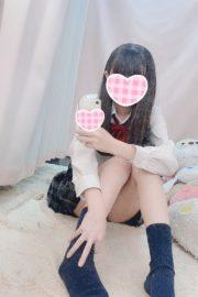 9/17体験入店 しろ (JK中退年齢)